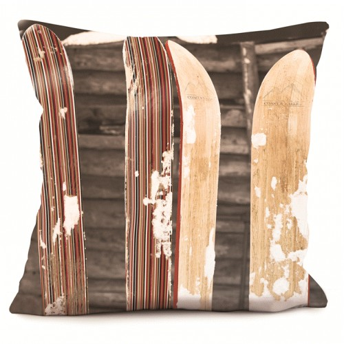 coussin d coration montagne skis spatules chic et vintage. Black Bedroom Furniture Sets. Home Design Ideas